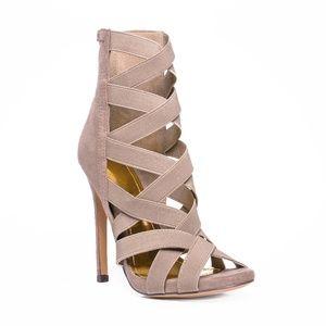 347c42b421c Shoe Limitless s Closet ( shoelimitless)